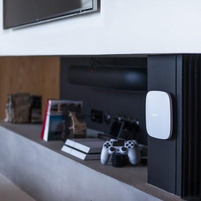 DS-7608NI-K2, NVR pro 8 IP kamer (80/160 Mbps), až 8 Mpx, 2x SATA, alarm I/O, HDMI 4K, Hikvision